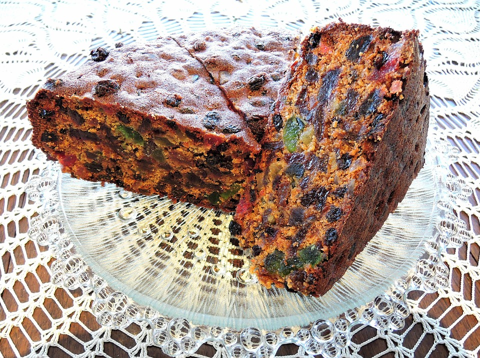 Gluten Free | Sugar Free | Healthier Christmas Cake Recipes